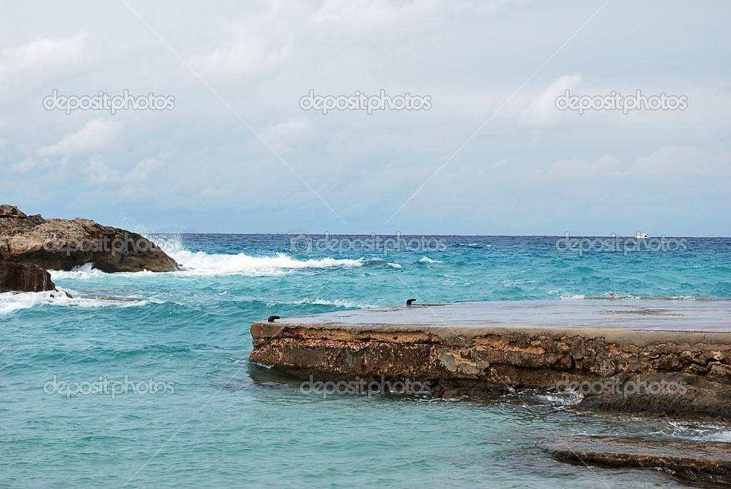 Formentera virgin beach where there is coastal formations — Stock Photo #13433093