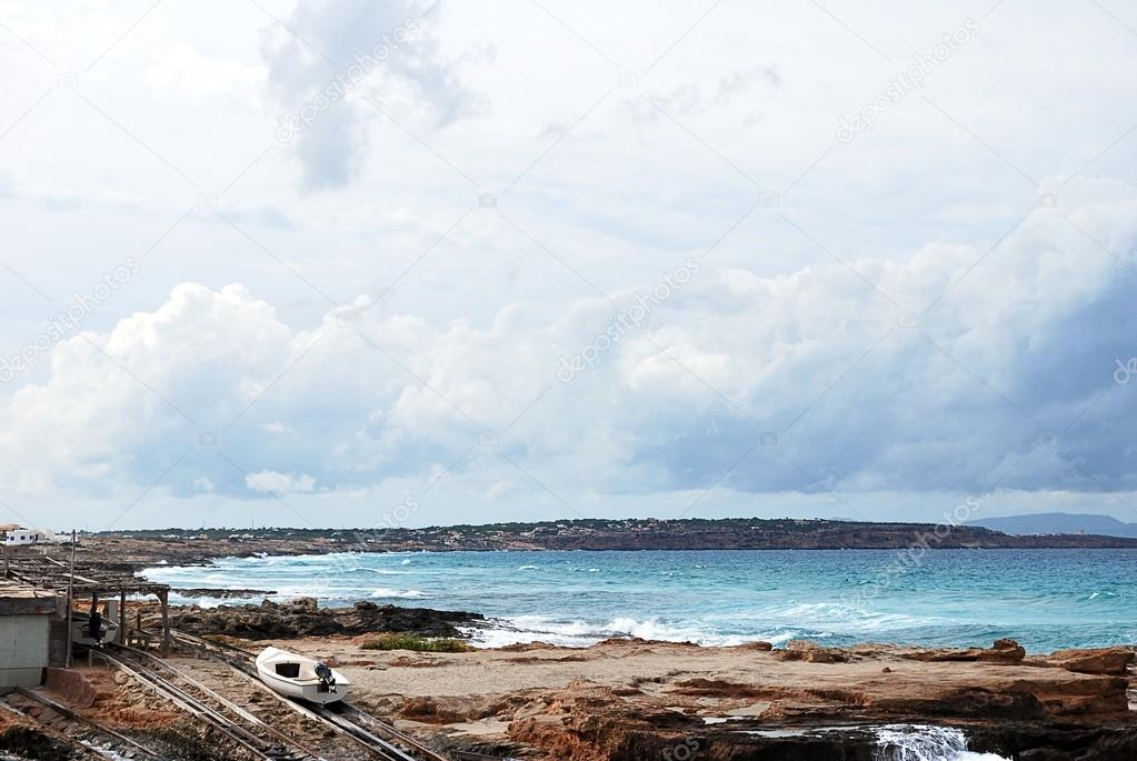 Landscape of a beach in Formentera — Stockfoto #13433277