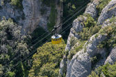 Cable car up the mountain — Stock Photo