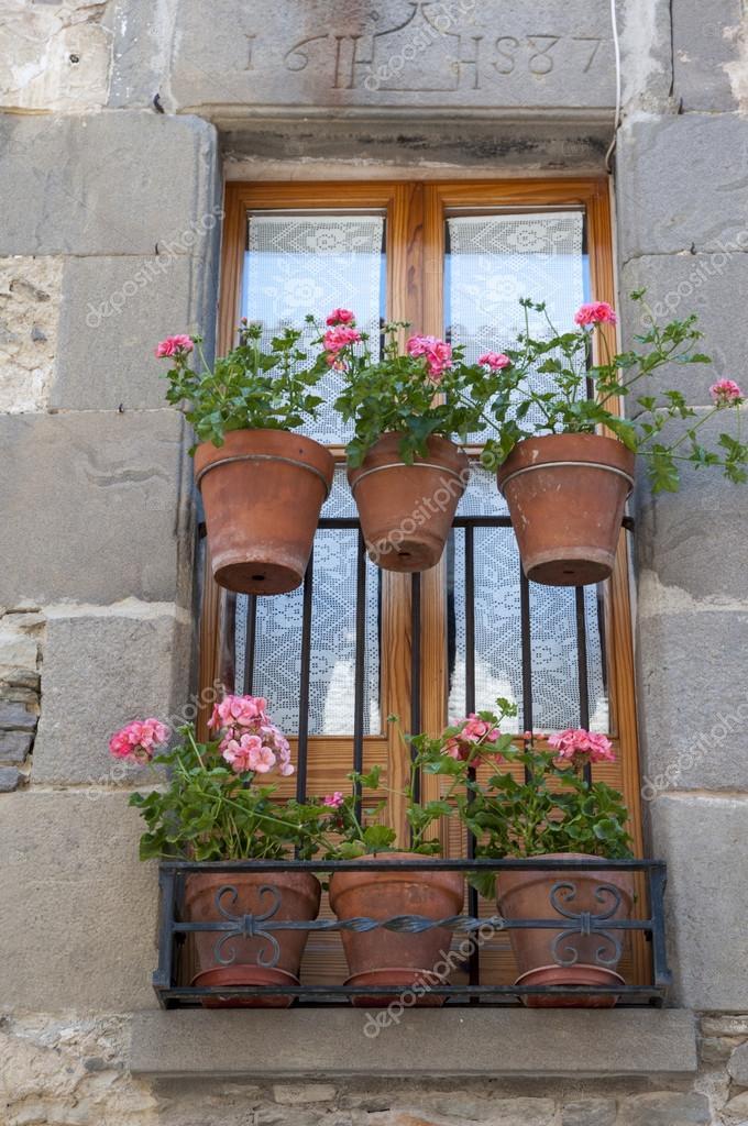Декоративные балконы - стоковое фото arnau2098 #26898617.