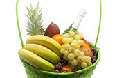 Basket full of fruits — Stockfoto