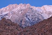 Amanecer, montañas de sierra nevada — Foto de Stock