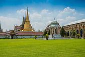 Grand Palace in Bangkok and Wat Phra Kaew Temple — Foto Stock