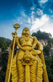 Batu Caves with golden statue — Stock Photo