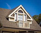 Mansardowe balkon - styl wiktoriański — Zdjęcie stockowe