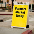 图库照片: Farmers Market Sign - Sandwich Board