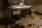 övergivna skrivbord — Stockfoto