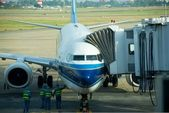 Avião está no aeroporto antes de carregado — Foto Stock