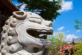 Statua testa di leone cinese antica — Foto Stock