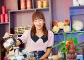 Prodávající asijské krásné slavné čaje v číně — Stock fotografie