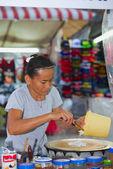 Thai woman pancake seller in Thailand — Stock Photo