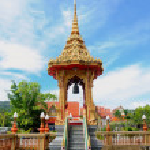 Buddhist temple in Thailand Phuket island — Stock Photo #12284544