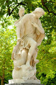 18 century marble statue of antique allegory in Parc de Bruxelles in historical centre of Brussels in clear summer day — Stock Photo