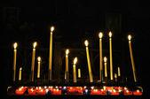 Velas em igreja católica — Foto Stock