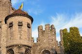 Mittelalterliche burg in gent, belgien am abend — Stockfoto