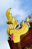 Beautiful element of roof of buddhist temple in Bangkok, Thailand — Stock Photo