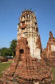 Ruins of big pagoda in Ayutthaya, ancient capital of Thailand — Stock Photo