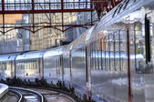 Train arrives to station — Stock Photo
