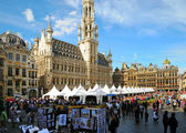 BRUSSELS, BELGIUM-SEPTEMBER 1: Grand Place hosts famous annual Belgian Beer Weekend dedicated to Belgian beers, started on September 1, 2012 in Brussels. — Stock Photo