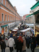 Christmas market in Venice on the bridge, Italy — Foto Stock