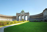 Cinquantennaire Park in Brussels - one of symbols of Brussels in clear day — Stock Photo