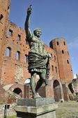 Porta palatina in turin with statue of roman imperor — Stock Photo
