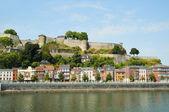 Panoramic view medieval citadel in Namur, Belgium from the river Meuseа — Stock Photo