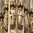 Group of statues from medieval facade on Grand Place in Brussels — Stock Photo #23912811