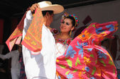 Xochicalli Mexican folkloric ballet perform in a concert on Grand Place — Stock Photo