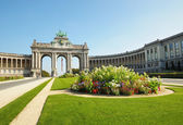 Triumph Arch in Cinquantennaire Parc in Brussels — Stockfoto