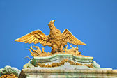 Golden Eagle from the roof of renaissance building on Grand Place in Brussels, — Stock Photo