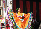 Xochicalli 墨西哥民间芭蕾舞团执行在音乐会上大的地方 — 图库照片