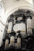 在巴黎圣母院杜共和国教会的器官 — 图库照片