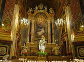 Golden interieur des santuario della consolata kirche in turin — Stockfoto