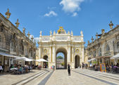 Triumphal Arch and Place Stanislas in historical center of Nancy — Stock Photo