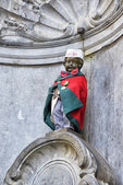 Manneken Pis awarded costume of the Guild of the Butchers — Stock Photo