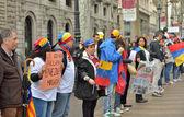 Protesters from Venezuela in Barcelona — Stock Photo