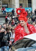 Działacze parada dumy gejowskiej w profanacja — Zdjęcie stockowe
