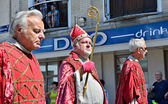 Mariaprocessie continues on streets of Halle — Stock Photo