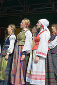 Lithuanian Folk music group Poringe gives free concert on Grand Place in Brussels — Stock Photo