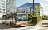 Bus arrives at Shuman Square where are placed offices of European Commission — Stock Photo