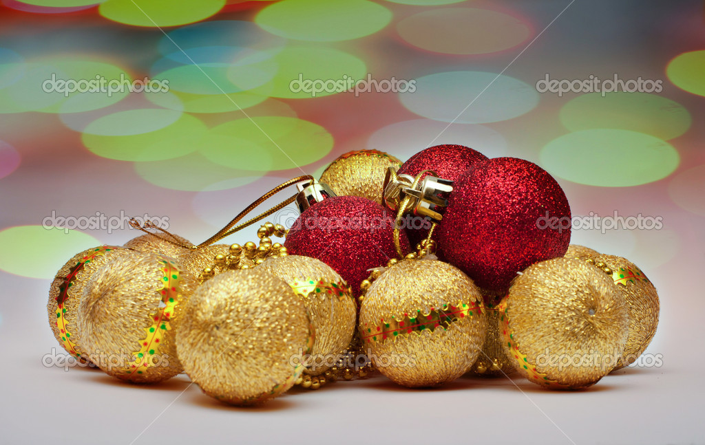 Decoration Christmass ball with outfocused light — Stock Photo #15733383