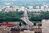 华沙市与现代桥梁的全景 — 图库照片