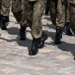 Soldiers march in formation — Stock Photo