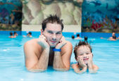 Father and son in the pool — Stock Photo