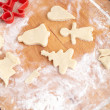 Making biscuits for christmas decorations, kitchen in a backgrou — Foto Stock