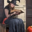 Halloween story telling — Stock Photo
