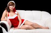 ソファの上の若い女性 — ストック写真