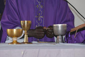 The priest who celebrates Holy Mass — Stock Photo