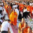 Many people give food and drink for alms to 12,999 Buddhist monks on December 30,2012 in Chiang mai,Thailand. — Stock Photo
